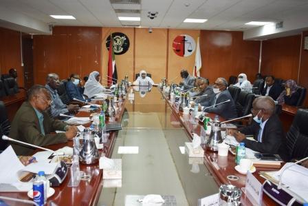 وكيل وزارة العدل رئيس اللجنة الوطنية لمكافحة غسل وتمويل الإرهاب  تترأس الاجتماع الدوري  للجنة