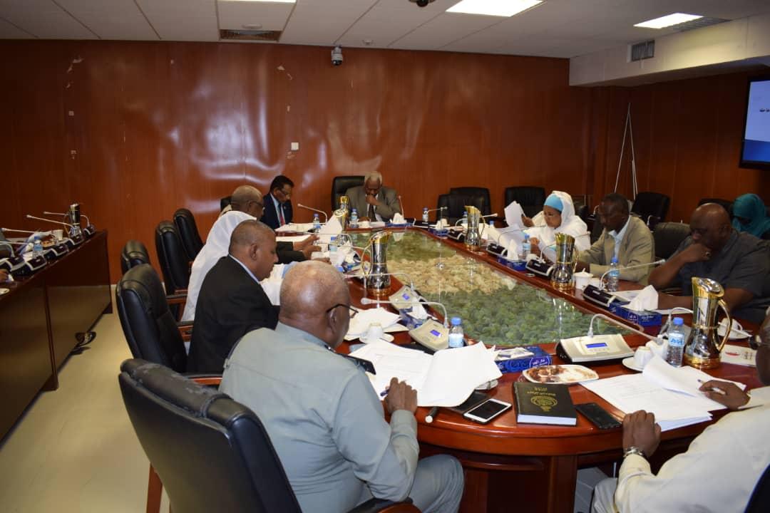 الرزم يرأس إجتماع لجنة الرقابة علي الشركات