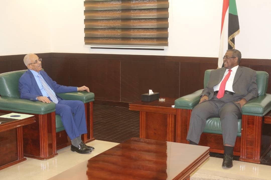 رئيس مجلس الوزراء يؤكد دعم الدولة الكامل لوزارة العدل