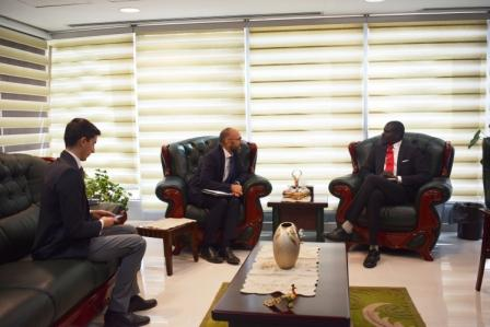 جانب من إجتماع السيد الوزير بالسفير الايطالي