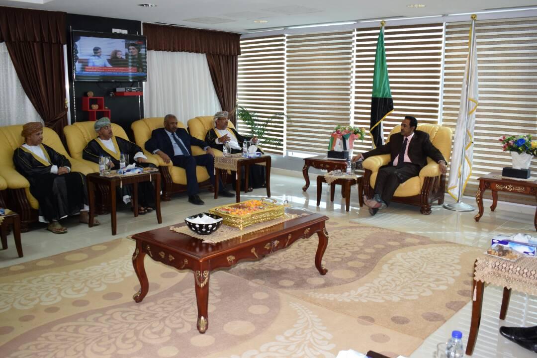 وزير العدل يلتقي المدعى العام العماني