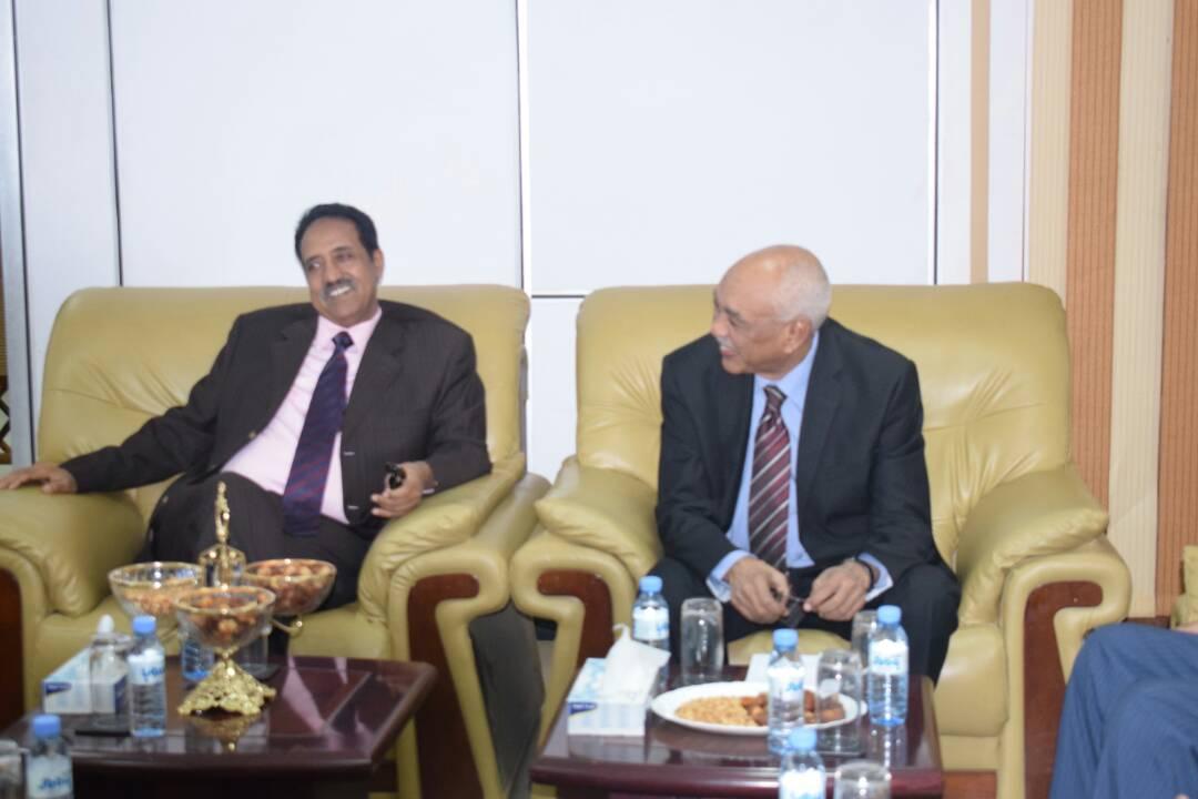 وزير العدل دادريس ابراهيم جميل يلتقي بالسيد رئيس المحكمة د.وهبي محمد